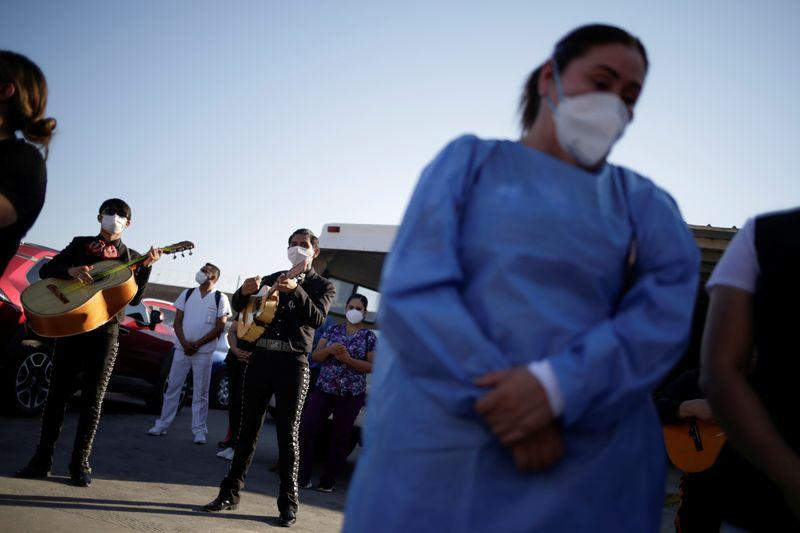 Casos de coronavírus na América Latina passam de 7 milhões, segundo contagem da Reuters
