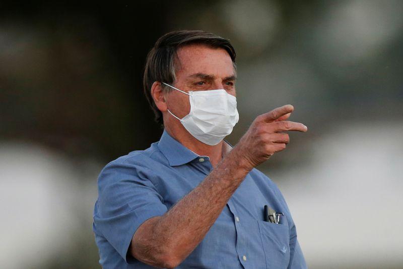 Bolsonaro reúne terça-feira líderes no Alvorada para oficializar prorrogação do auxílio, dizem fontes