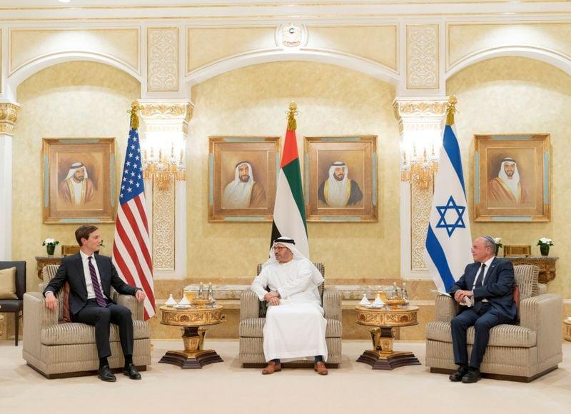Autoridades dos EUA e Israel chegam aos Emirados Árabes; Kushner cobra palestinos a negociar