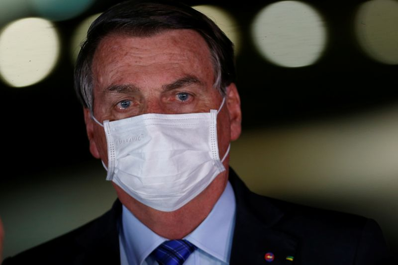 """Ninguém pode obrigar ninguém a tomar vacina"", diz Bolsonaro"