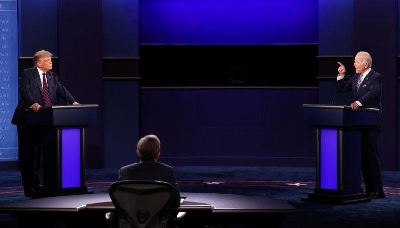 Após primeiro debate caótico, Trump e Biden fazem campanha em Estados cruciais