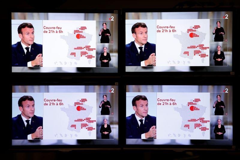 Macron anuncia toque de recolher noturno na França para combater Covid-19