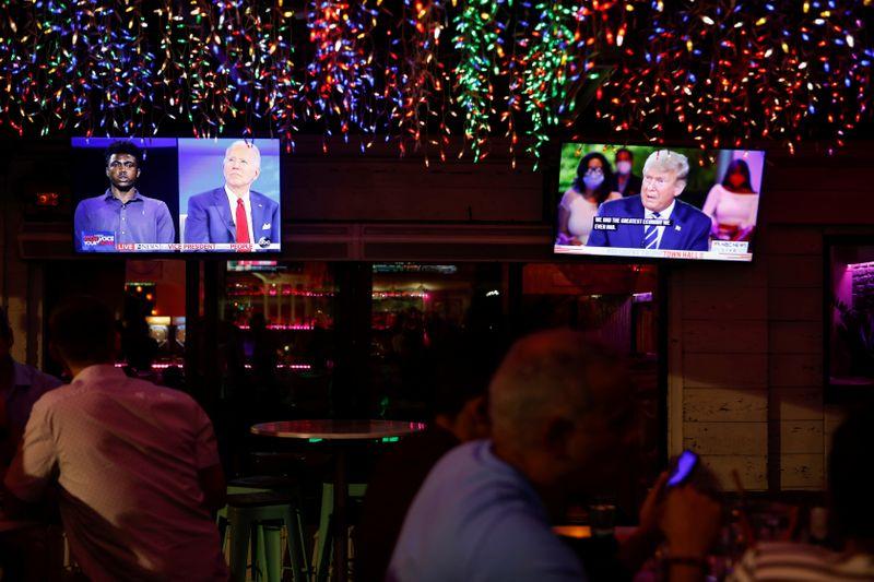 Trump e Biden discordam sobre reação ao coronavírus em eventos televisionados
