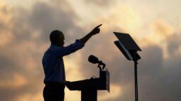 Obama entra na campanha de Biden e faz críticas a desempenho de Trump