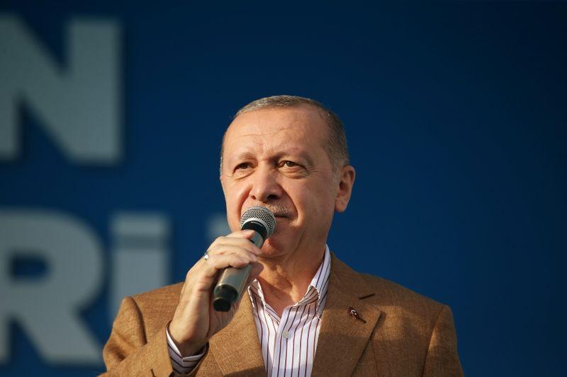 Turquia tomará medidas legais e diplomáticas contra caricaturas de Erdogan na França