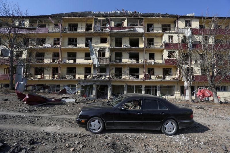 Armênia e Azerbaijão concordam em distensionar conflito de Nagorno-Karabakh
