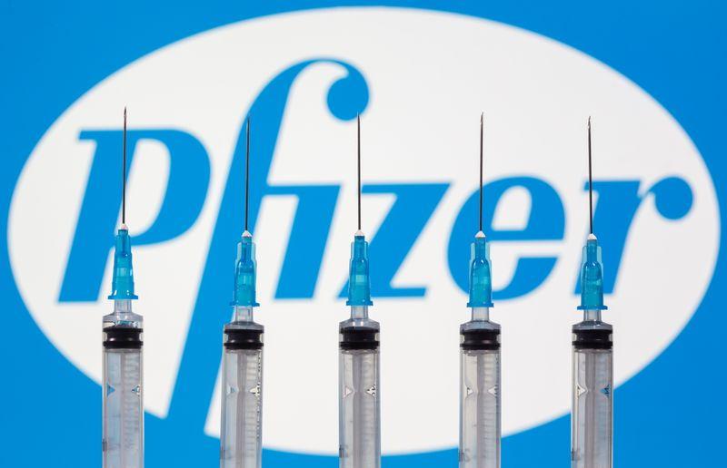 Reino Unido espera distribuir vacina contra Covid-19 antes do Natal