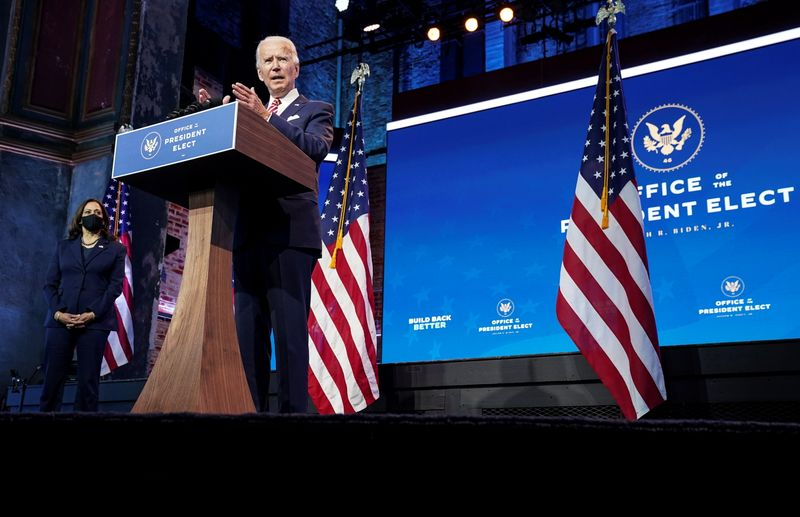 Biden nomeia assessores da campanha e parlamentar para cargos na Casa Branca