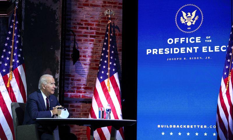 Biden se concentra em combate ao coronavírus enquanto Trump mantém luta para reverter derrota
