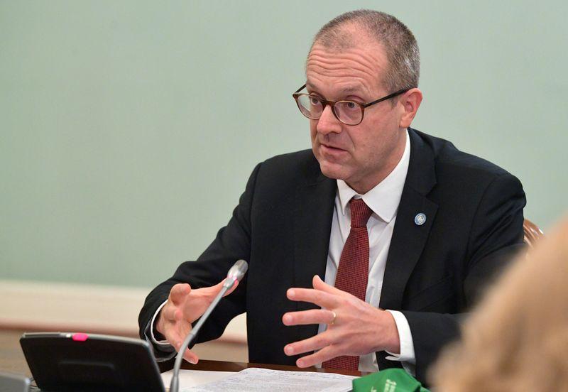 """Lockdowns na Europa são """"evitáveis"""" e fechamento de escolas não é eficaz, diz chefe regional da OMS"""