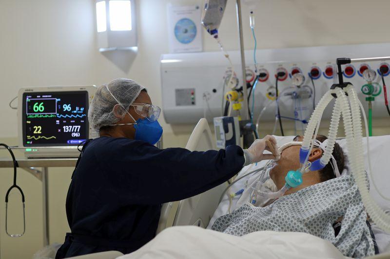 Brasil registra 606 novas mortes por coronavírus e 35.918 novos casos