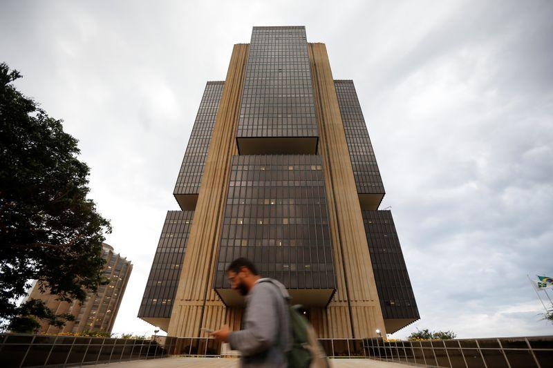 Estoque de crédito no Brasil sobe 1,4% em outubro e acelera em 12 meses, diz BC