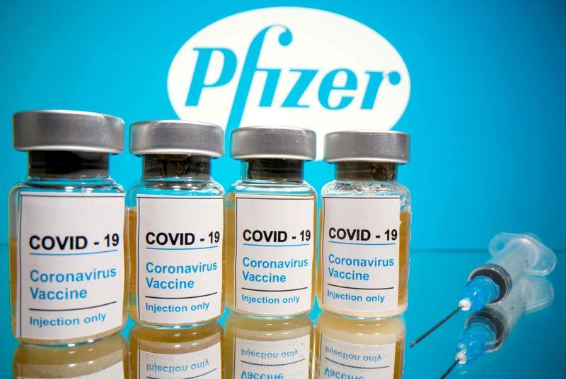 Vacinas podem estar prontas para o Natal conforme EUA enfrentam repique do vírus no pós-Ação de Graças