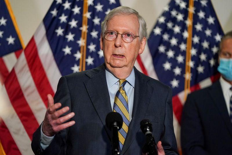 Líder da Maioria no Senado e outros republicanos divergem de Trump a respeito de transferência de poder pacífica