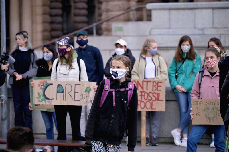 Jovens de todo o mundo exigem ações contra a mudança climática