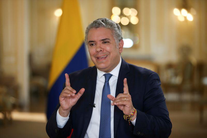 REUTERS NEXT-Comunidade internacional tem de ajudar países pobres a garantir vacinas, diz presidente da Colômbia