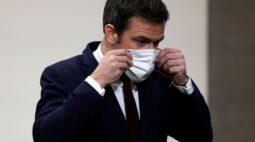 """Covid-19 ainda circula em um nível """"preocupante"""" na França, diz ministro"""