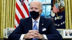 EXCLUSIVO-Biden vai impor proibições relacionadas a viagens à África do Sul para combater nova variante de Covid-19, dizem fontes