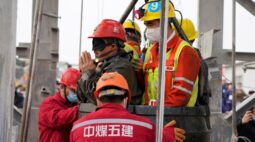 China confirma dez mortos, um desaparecido e outros resgatados em mina de ouro