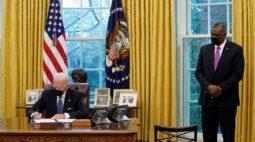 Biden reverte proibição imposta por Trump a transgêneros nas Forças Armadas