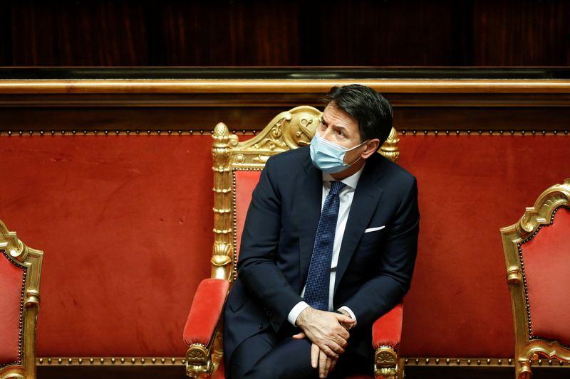 Premiê italiano renuncia, presidente iniciará consultas