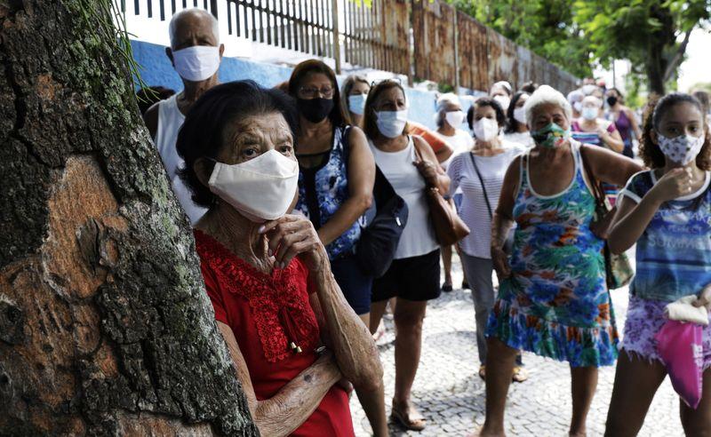 Brasil se torna o 3º país a superar 10 milhões de casos de Covid-19