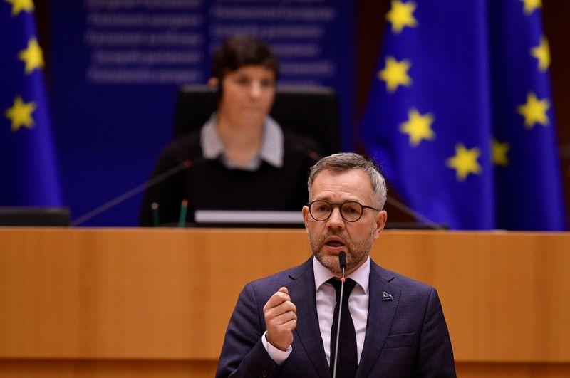 Alemanha defende restrições na fronteira contra Covid-19