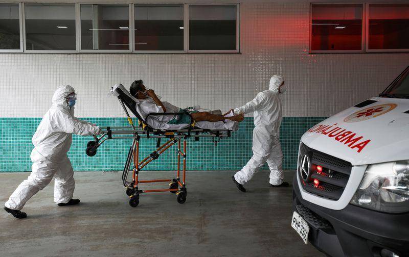 Ocupação de UTIs atinge pior cenário da pandemia e 17 capitais têm alerta crítico, diz Fiocruz