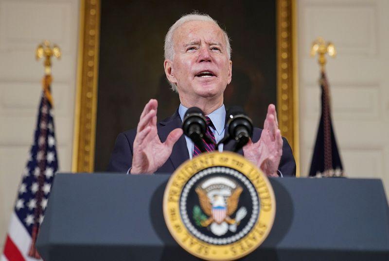 Biden diz que EUA estão bem à frente da meta de 100 milhões de vacinas em 100 dias