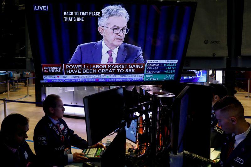 """Powell diz que juros só serão alterados após """"recuperação praticamente completa"""""""