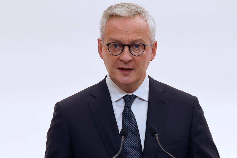 Cogitamos todas as opções na crise do coronavírus, diz ministro da França