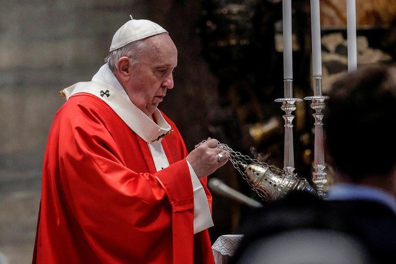 Papa adapta Shakespeare em apelo contra mudança climática