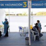 """Chile celebra eficácia de 67% da CoronaVac como """"divisor de águas"""" para vacina"""