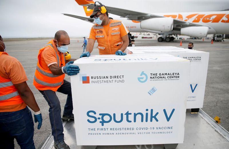 Desenvolvedores de vacina russa Sputnik V rejeitam críticas da Anvisa
