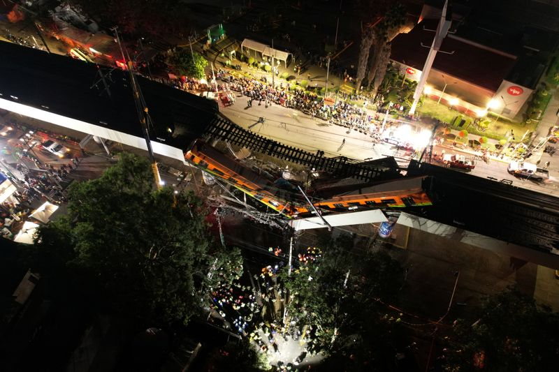 Viaduto do Metrô desaba na Cidade do México e mata ao menos 23