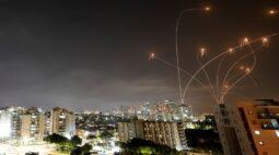 Ataques de Israel matam 20 em Gaza, dizem palestinos, após militantes lançarem foguetes em Jerusalém