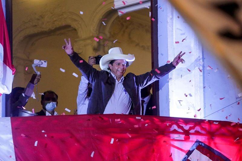 A duas semanas da posse, Peru ainda não tem anúncio de novo presidente