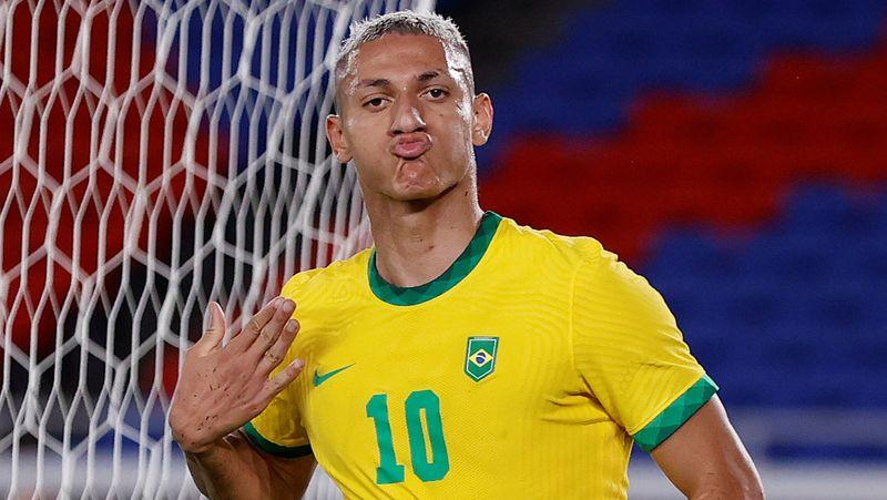 Richarlison marca três e Brasil vence Alemanha em estreia na Olimpíada