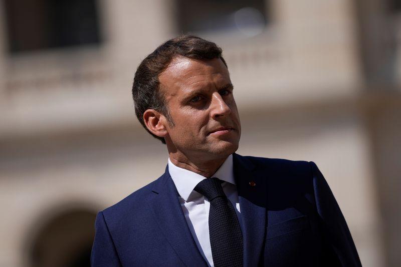 Macron troca de telefone após caso Pegasus; Israel pode limitar exportação de spyware