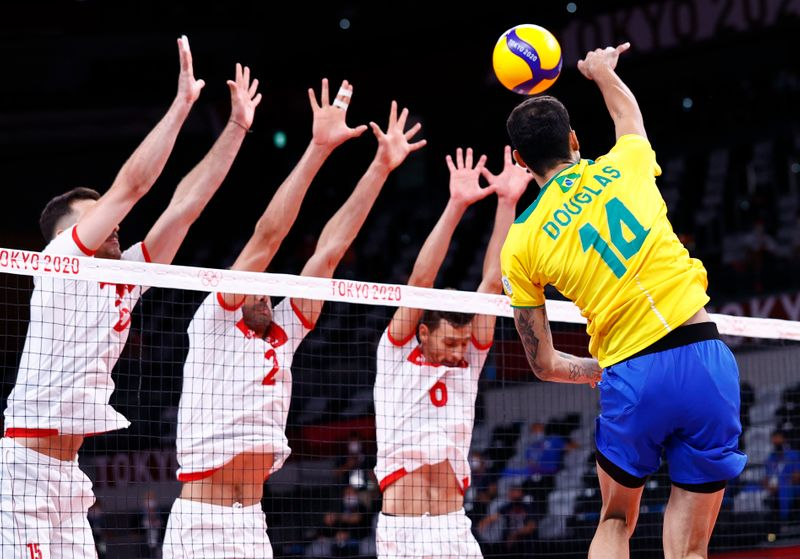 Brasil estreia com vitórias no vôlei e no vôlei de praia em Tóquio
