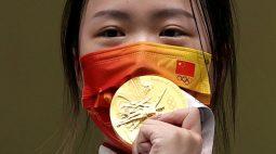 Brilho do ouro ofusca problemas de Tóquio com início da Olimpíada
