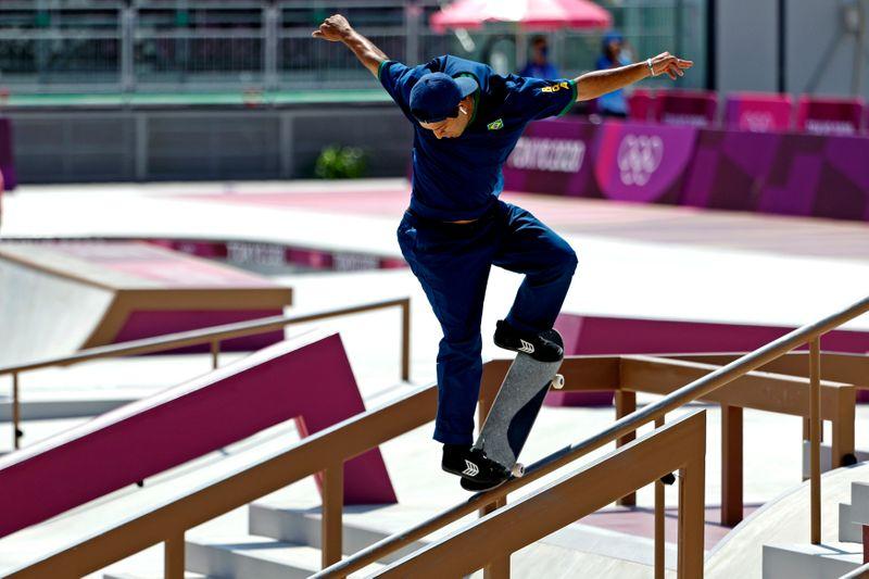 Skatista Kelvin Hoefler conquista primeira medalha do Brasil em Tóquio com prata no street