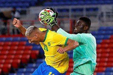 Brasil tem jogador expulso no início do jogo e fica no empate sem gols com Costa do Marfim