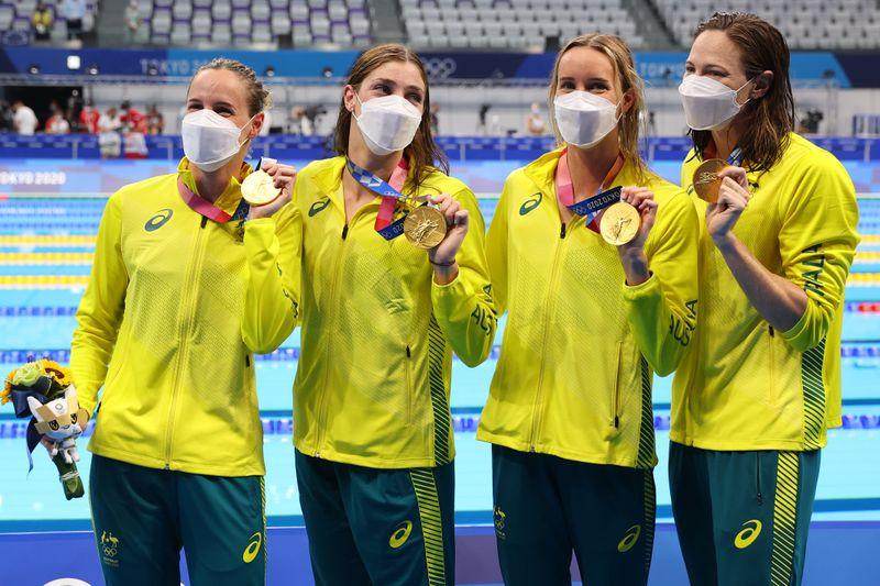 Austrália conquista 3º ouro seguido no 4x100m livre feminino e quebra o recorde mundial