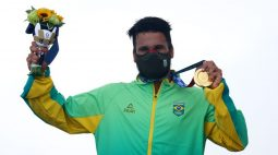 Da tampa de isopor ao ouro olímpico, Ítalo Ferreira completa longa jornada