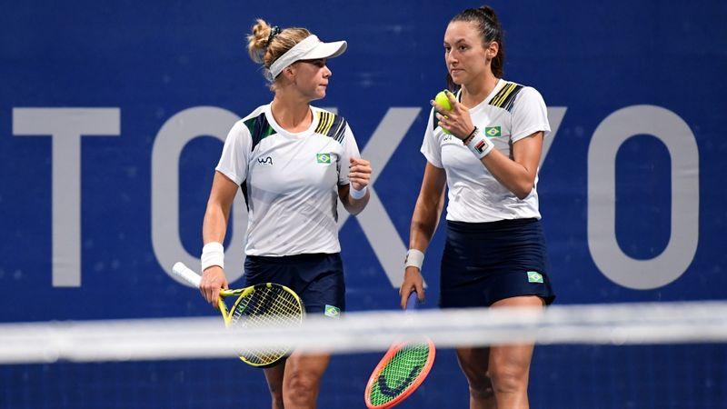 Dupla feminina do Brasil vai à semi e iguala melhor resultado do tênis em Olimpíadas