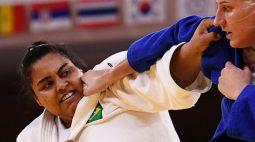 Judoca Maria Suelen se machuca e fica fora da disputa por equipes; Rafael Silva perde para Riner