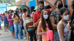 Ministério volta atrás e libera vacinação de adolescentes contra Covid