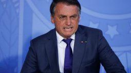"""Bolsonaro garante que governo cumprirá teto e diz que mercado ficou """"nervosinho"""""""