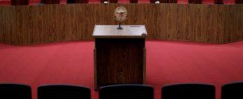 TSE forma maioria para rejeitar ações que pedem cassação da chapa Bolsonaro-Mourão